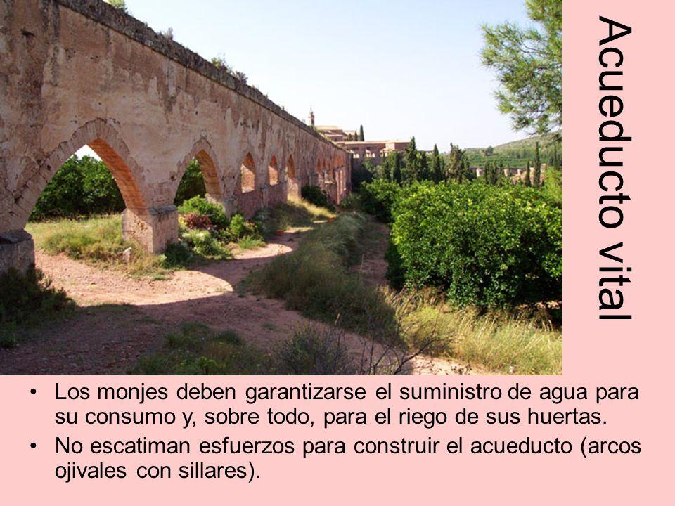 Acueducto vital Los monjes deben garantizarse el suministro de agua para su consumo y, sobre todo, para el riego de sus huertas.
