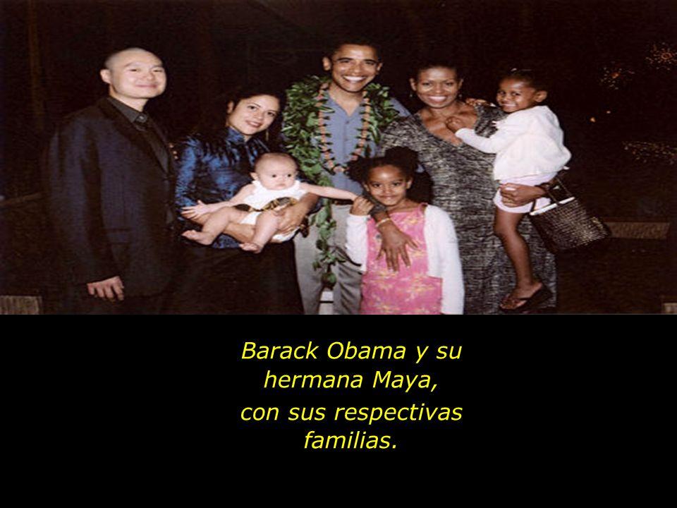 Barack Obama y su hermana Maya, con sus respectivas familias.