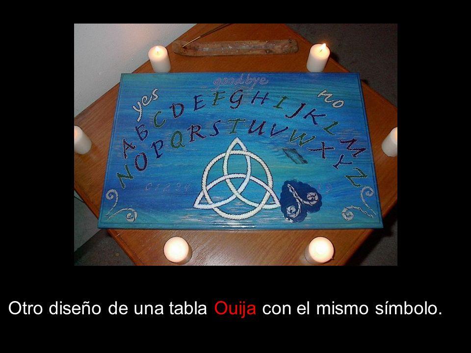 Otro diseño de una tabla Ouija con el mismo símbolo.