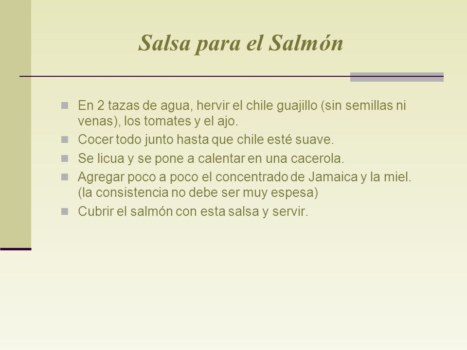Salsa para el Salmón En 2 tazas de agua, hervir el chile guajillo (sin semillas ni venas), los tomates y el ajo.