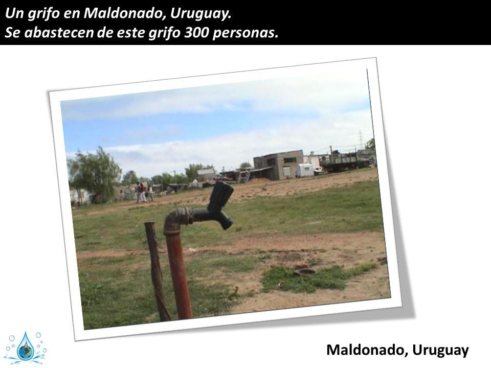 Un grifo en Maldonado, Uruguay. Se abastecen de este grifo 300 personas.
