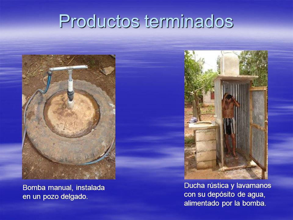 Productos terminados Ducha rústica y lavamanos con su depósito de agua, alimentado por la bomba.