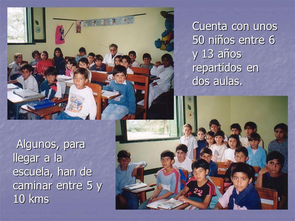 Cuenta con unos 50 niños entre 6 y 13 años repartidos en dos aulas.