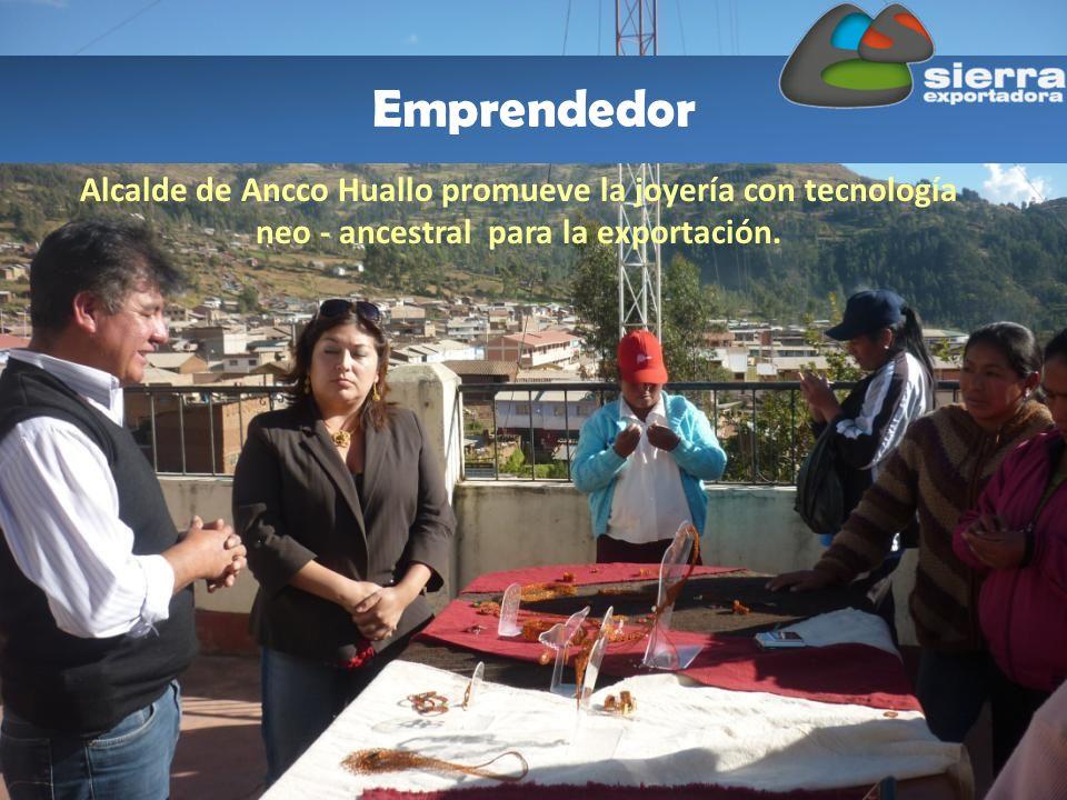 Emprendedor Alcalde de Ancco Huallo promueve la joyería con tecnología neo - ancestral para la exportación.