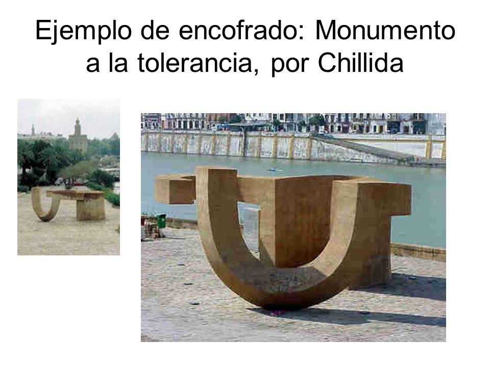 Ejemplo de encofrado: Monumento a la tolerancia, por Chillida