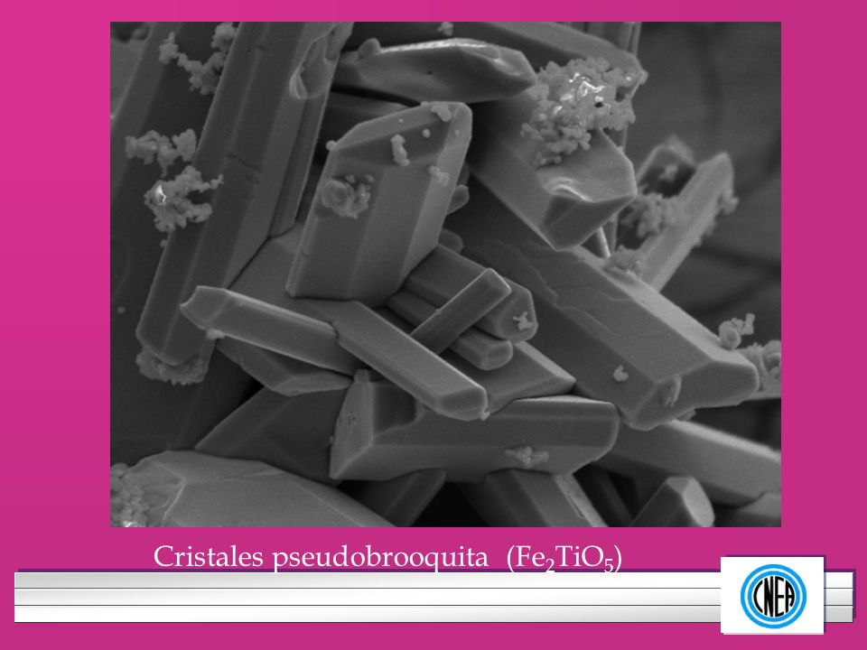 Cristales pseudobrooquita (Fe2TiO5)