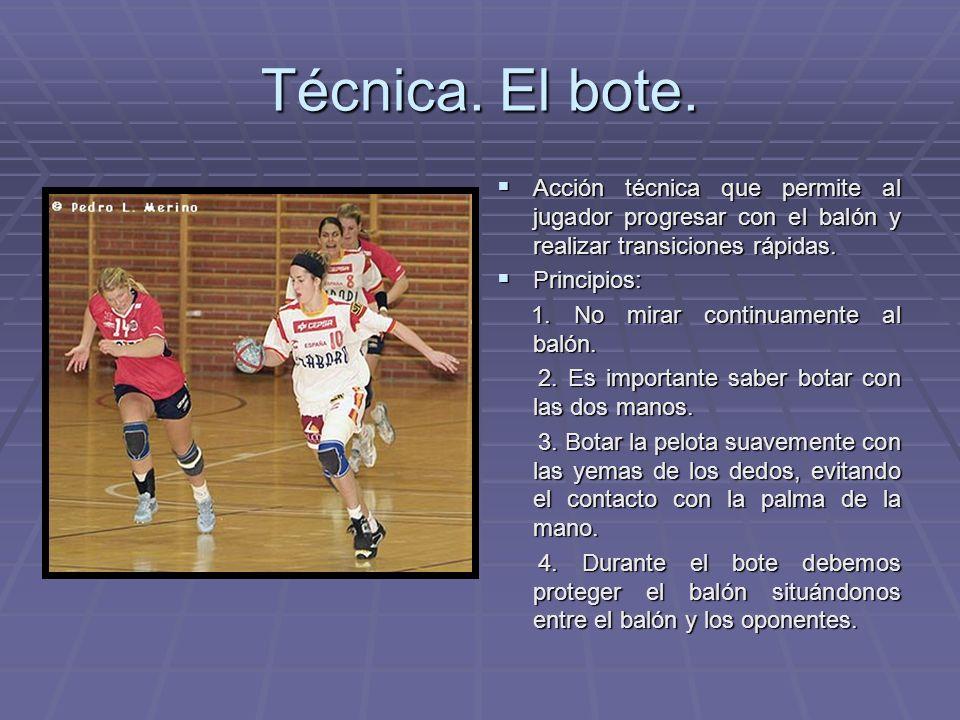 Técnica. El bote. Acción técnica que permite al jugador progresar con el balón y realizar transiciones rápidas.