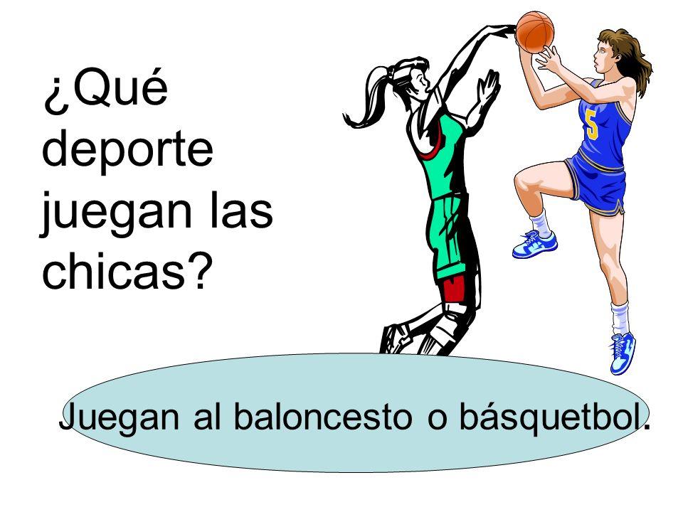 Juegan al baloncesto o básquetbol.