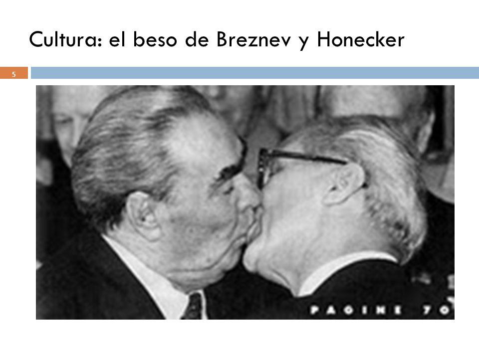 Cultura: el beso de Breznev y Honecker