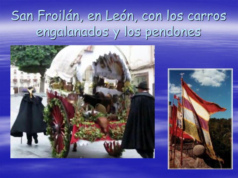 San Froilán, en León, con los carros engalanados y los pendones