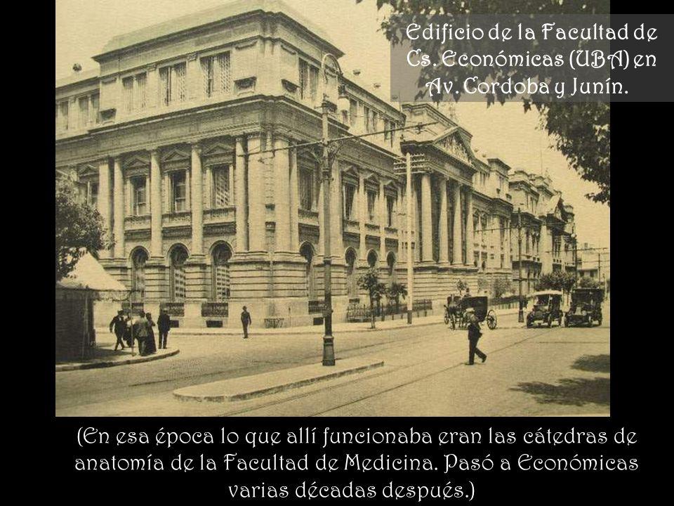 Edificio de la Facultad de Cs. Económicas (UBA) en Av. Cordoba y Junín.