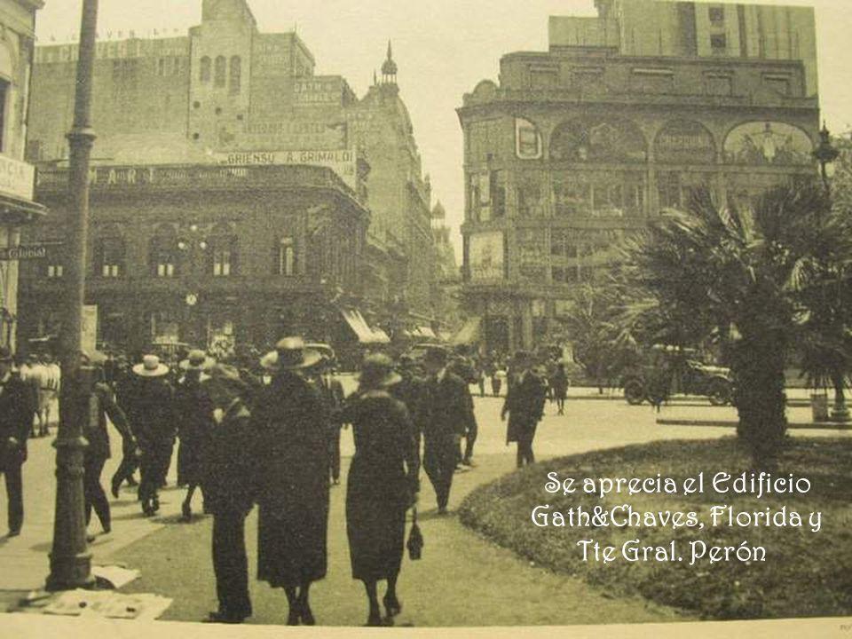 Se aprecia el Edificio Gath&Chaves, Florida y Tte Gral. Perón