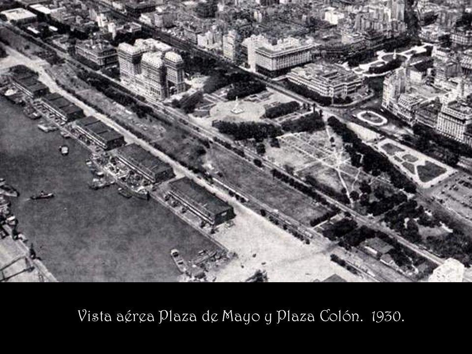Vista aérea Plaza de Mayo y Plaza Colón. 1930.