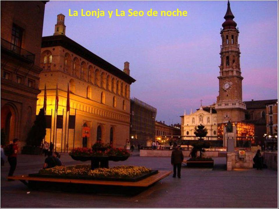 La Lonja y La Seo de noche