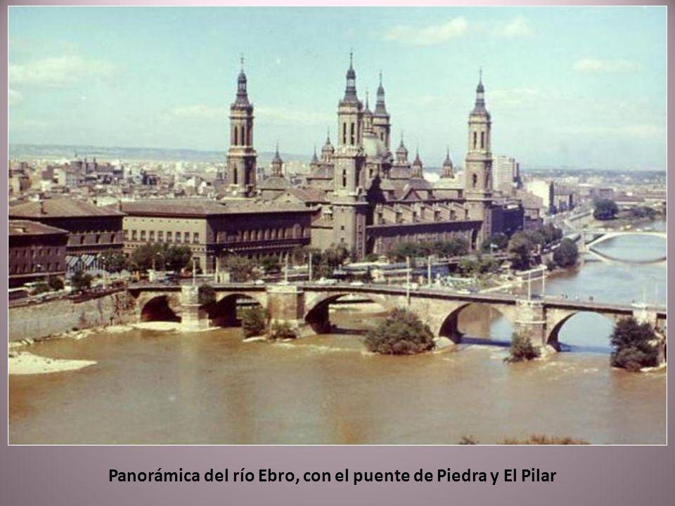 Panorámica del río Ebro, con el puente de Piedra y El Pilar