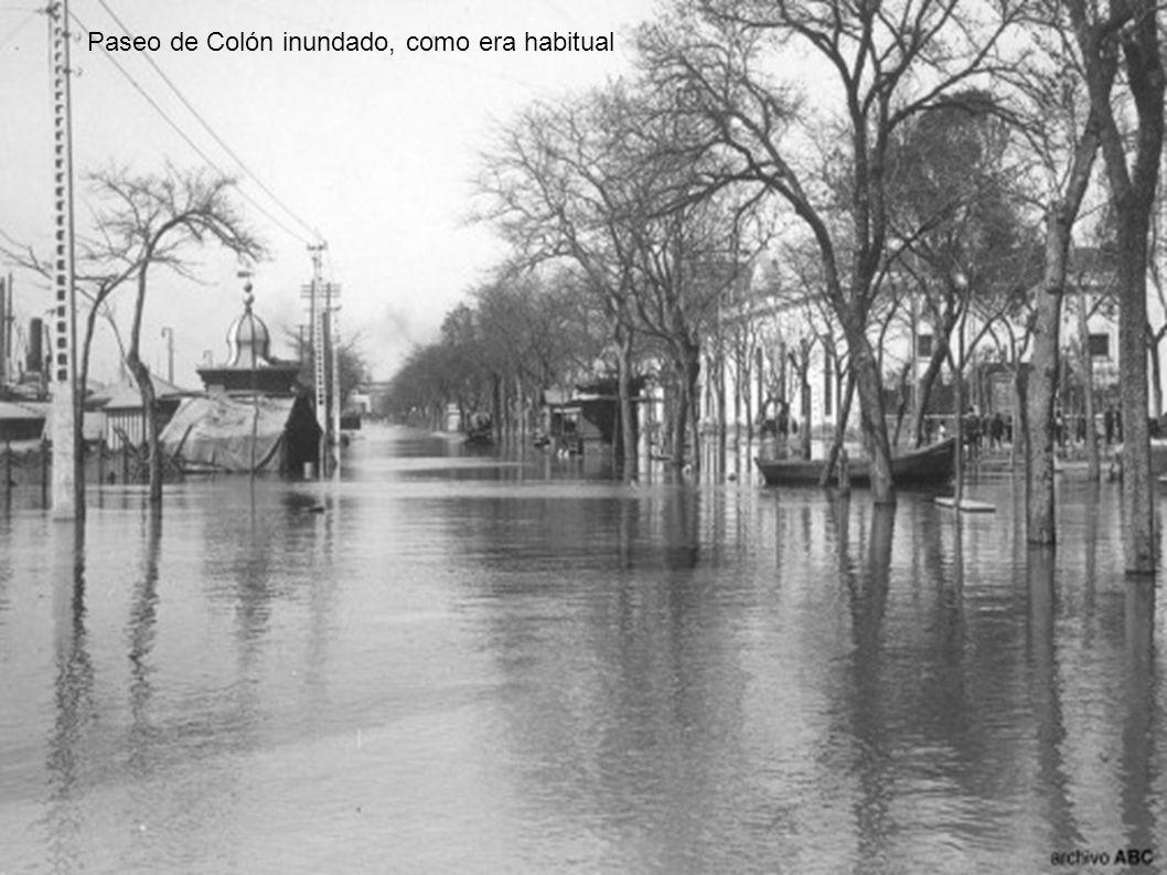 Paseo de Colón inundado, como era habitual