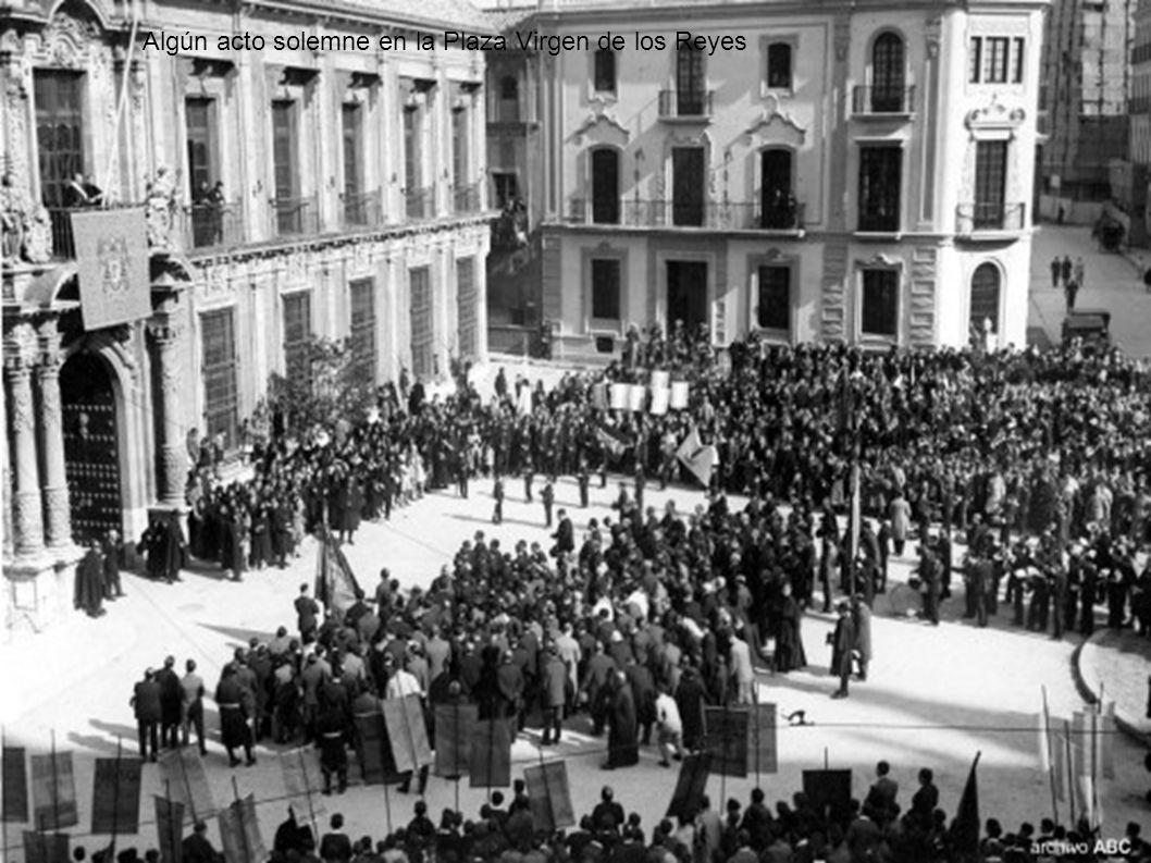 Algún acto solemne en la Plaza Virgen de los Reyes