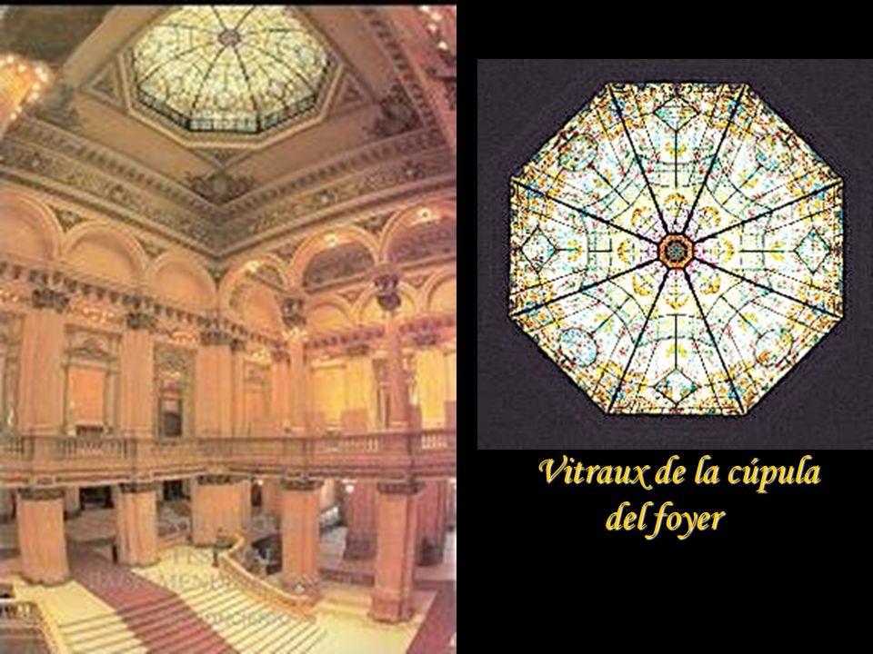 Vitraux de la cúpula del foyer