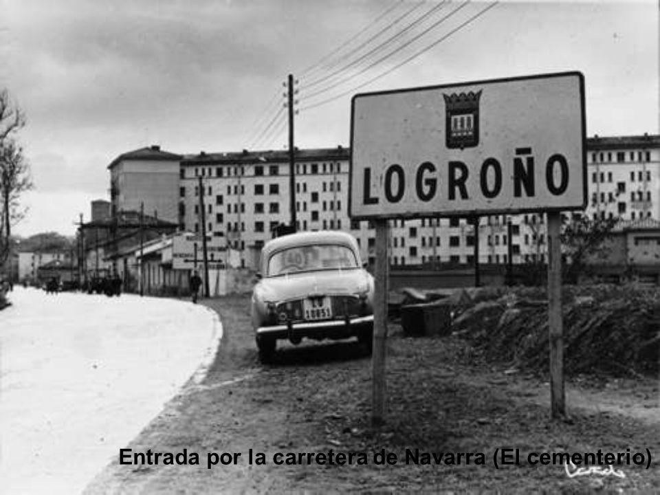 Entrada por la carretera de Navarra (El cementerio)