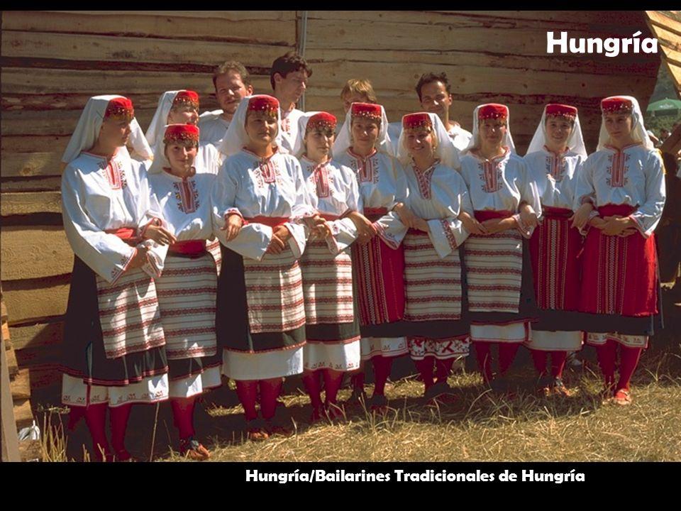 Hungría Hungría/Bailarines Tradicionales de Hungría
