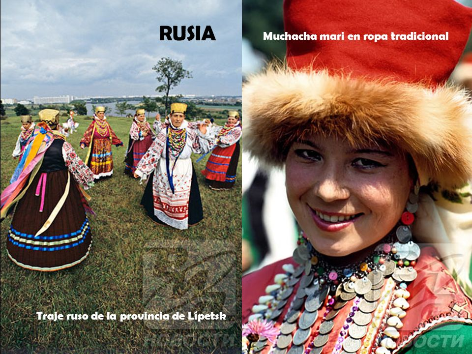 RUSIA Muchacha mari en ropa tradicional
