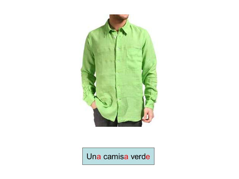 Una camisa verde