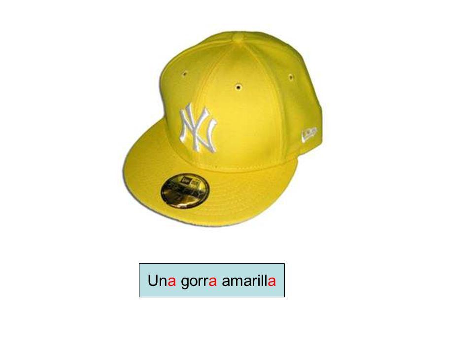 Una gorra amarilla