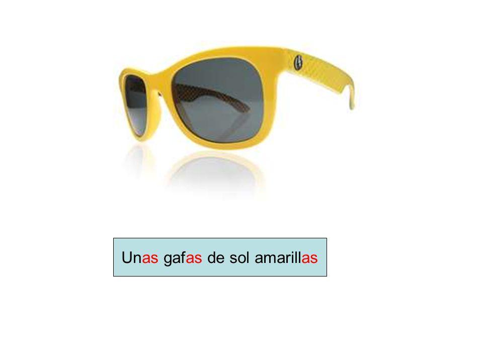 Unas gafas de sol amarillas