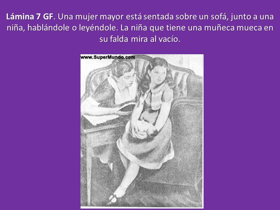 Lámina 7 GF. Una mujer mayor está sentada sobre un sofá, junto a una niña, hablándole o leyéndole.