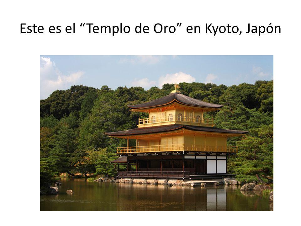 Este es el Templo de Oro en Kyoto, Japón