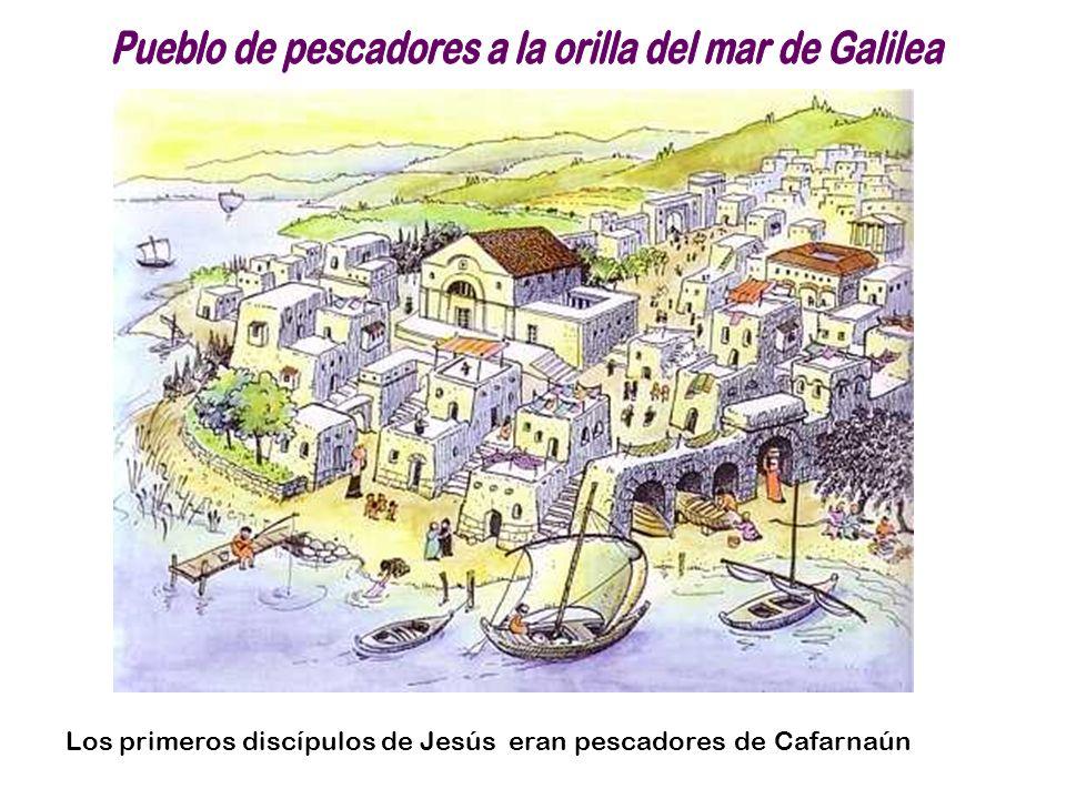 Pueblo de pescadores a la orilla del mar de Galilea