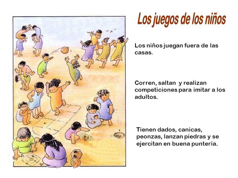 Los juegos de los niños Los niños juegan fuera de las casas.