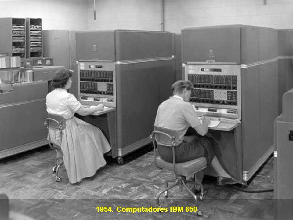 1954. Computadores IBM 650