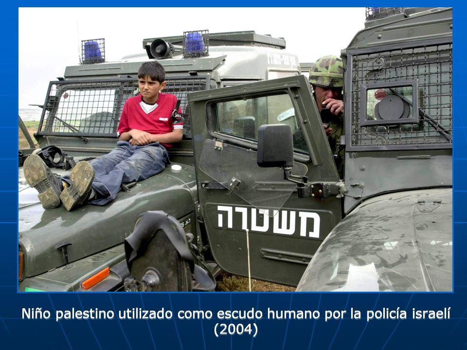 Niño palestino utilizado como escudo humano por la policía israelí (2004)