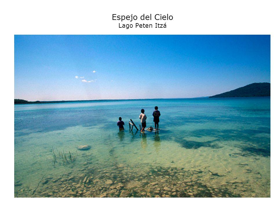 Espejo del Cielo Lago Peten Itzá