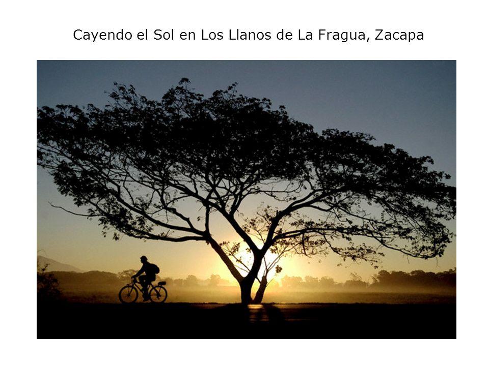 Cayendo el Sol en Los Llanos de La Fragua, Zacapa