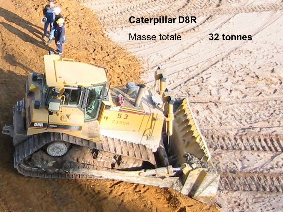 Caterpillar D8R Masse totale 32 tonnes