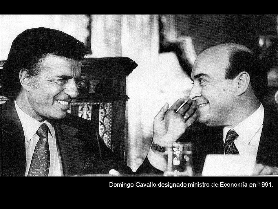 Domingo Cavallo designado ministro de Economía en 1991.