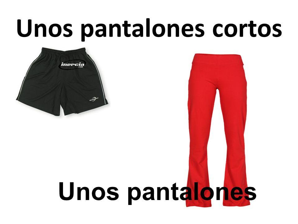 Unos pantalones cortos