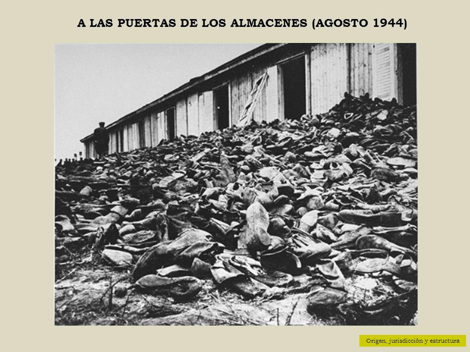 A LAS PUERTAS DE LOS ALMACENES (AGOSTO 1944)