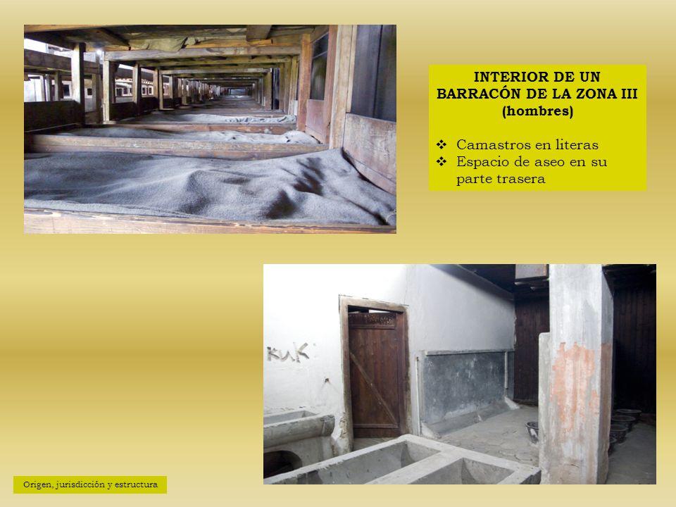 INTERIOR DE UN BARRACÓN DE LA ZONA III (hombres)