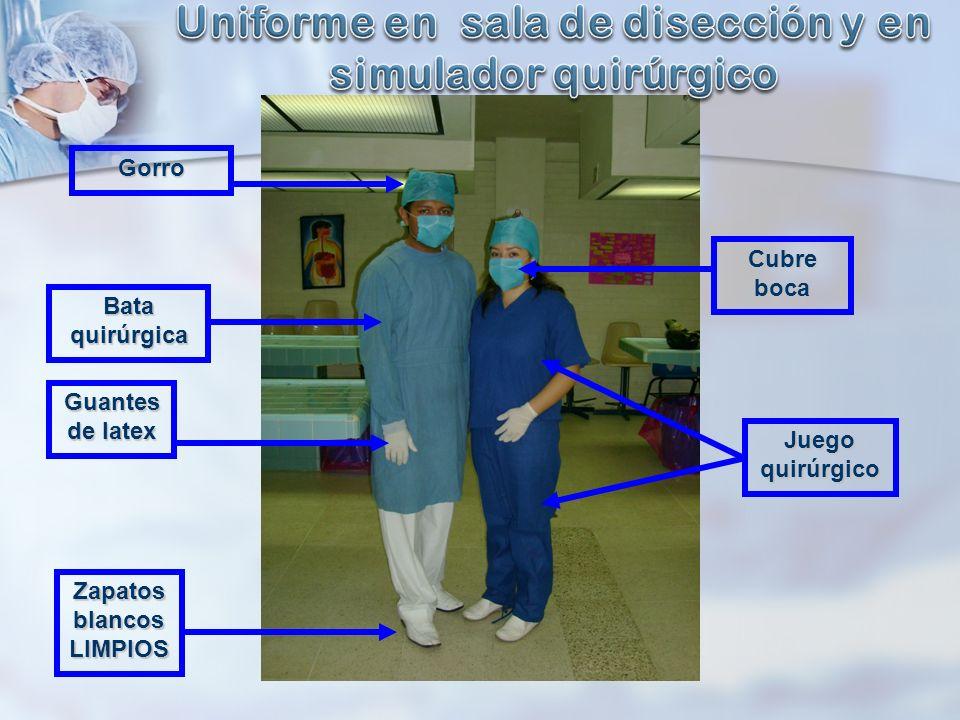 Uniforme en sala de disección y en simulador quirúrgico