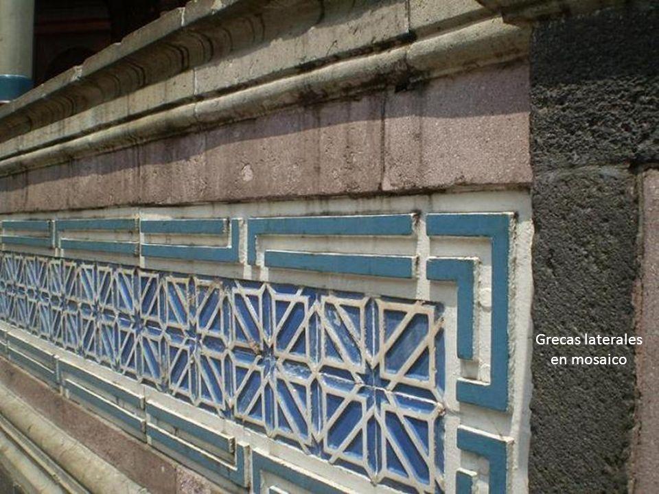 Grecas laterales en mosaico