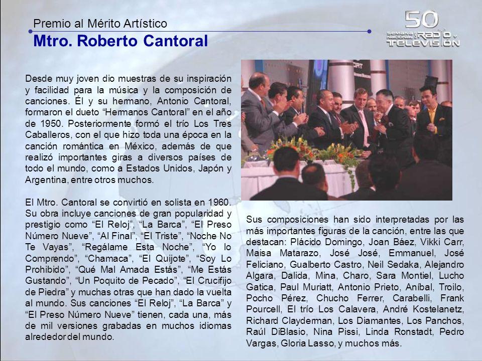 Mtro. Roberto Cantoral Premio al Mérito Artístico