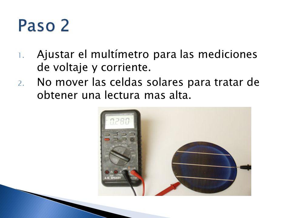 Paso 2 Ajustar el multímetro para las mediciones de voltaje y corriente.