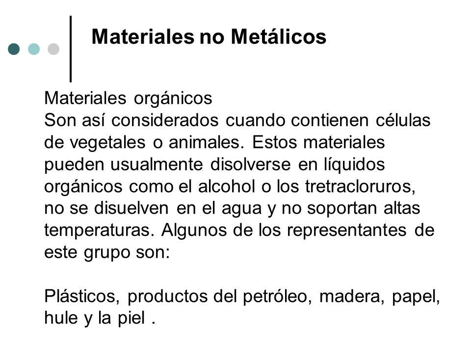 Plásticos, productos del petróleo, madera, papel, hule y la piel .