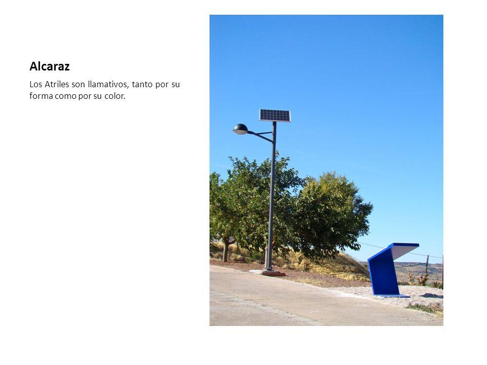 Alcaraz Los Atriles son llamativos, tanto por su forma como por su color.