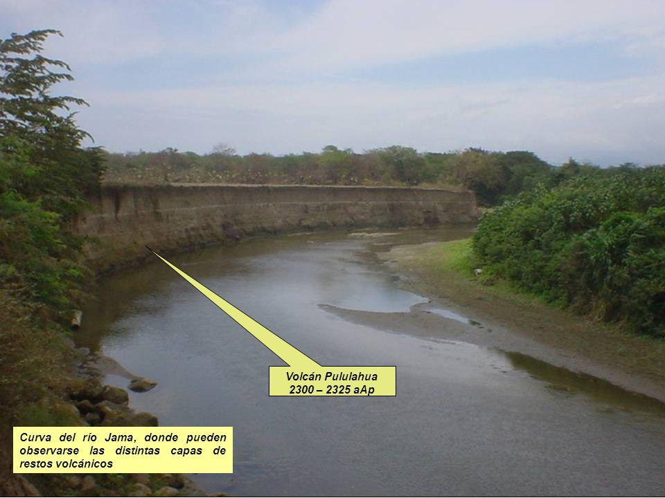 Volcán Pululahua 2300 – 2325 aAp Curva del río Jama, donde pueden observarse las distintas capas de restos volcánicos.
