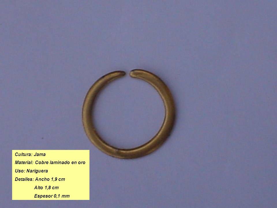 Cultura: Jama Material: Cobre laminado en oro. Uso: Nariguera. Detalles: Ancho 1,9 cm. Alto 1,8 cm.
