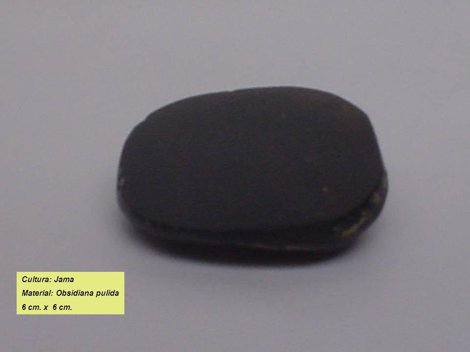 Cultura: Jama Material: Obsidiana pulida 6 cm. x 6 cm.